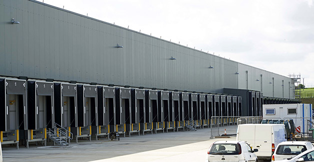 Aldi's new cold store warehouse and distribution centre featuring Kingspan panels on ISD Solutions' single envelope design